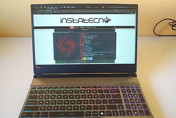 Teclado y pantalla Alpha 15